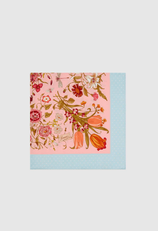 Gucci - Sciarpe & Foulards per DONNA Foulard en soie à imprimé Flora online su Kate&You - 577840 3G001 5900 K&Y8636