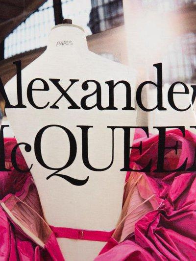 Футболки - Alexander McQueen для ЖЕНЩИН онлайн на Kate&You - 610895QZAAZ0900 - K&Y4807