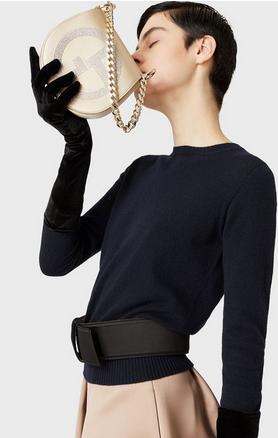 Сумки через плечо - Giorgio Armani для ЖЕНЩИН Sac à bandoulière rond en satin avec logo GA en st онлайн на Kate&You - Y1B053YJI3X180001 - K&Y8352