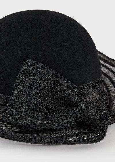 Giorgio Armani - Bonnets & Chapeaux pour FEMME online sur Kate&You - 6373529A511100020 K&Y2546