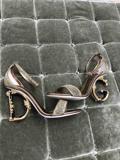 Dolce & Gabbana - Escarpins pour FEMME Sandales Bette en lurex avec talon sculpté DG Baro online sur Kate&You - K&Y1524